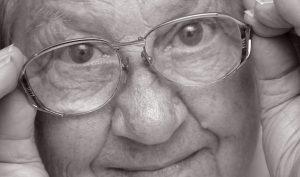 Donația ta s-a transformat în ochelari pentru bătrâni abandonați